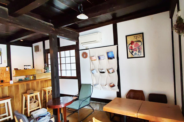 大分市中戸次本町HARIYO(ハリヨ) 店内 除菌100店舗計画SAKAI株式会社