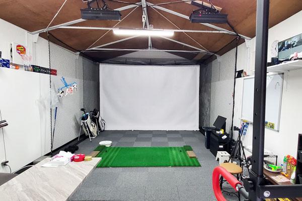 室内ゴルフシュミレーター|大分市久保建設工業|除菌100店舗計画 SAKAI株式会社